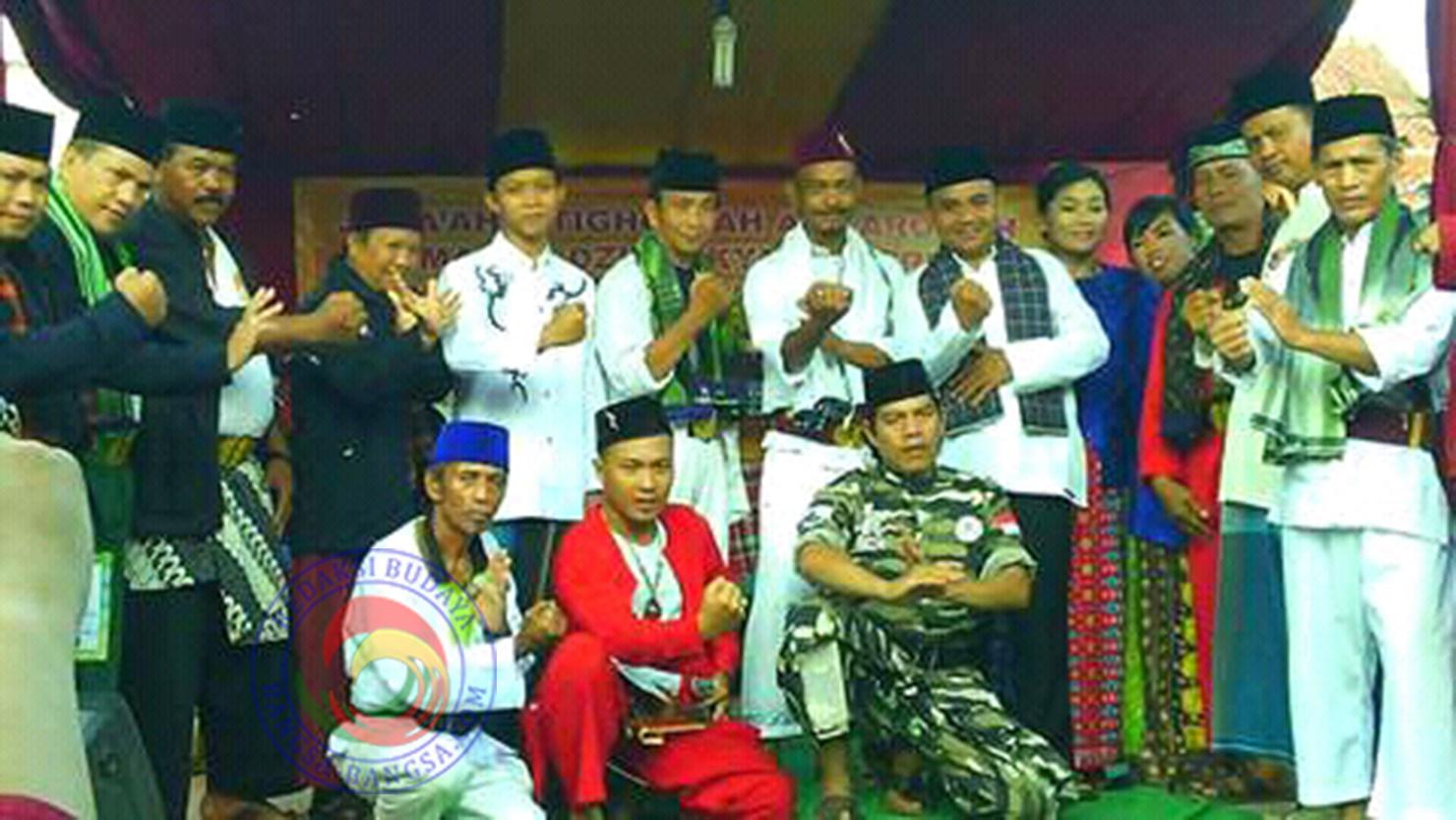 Djayadi dan Anggota Padepokan Bambu Naga Pamungkas
