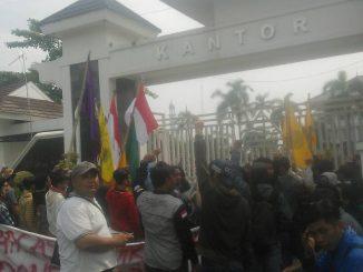 PMII tuntut Bupati Karawang deklarasikan anti Ormas Radikal