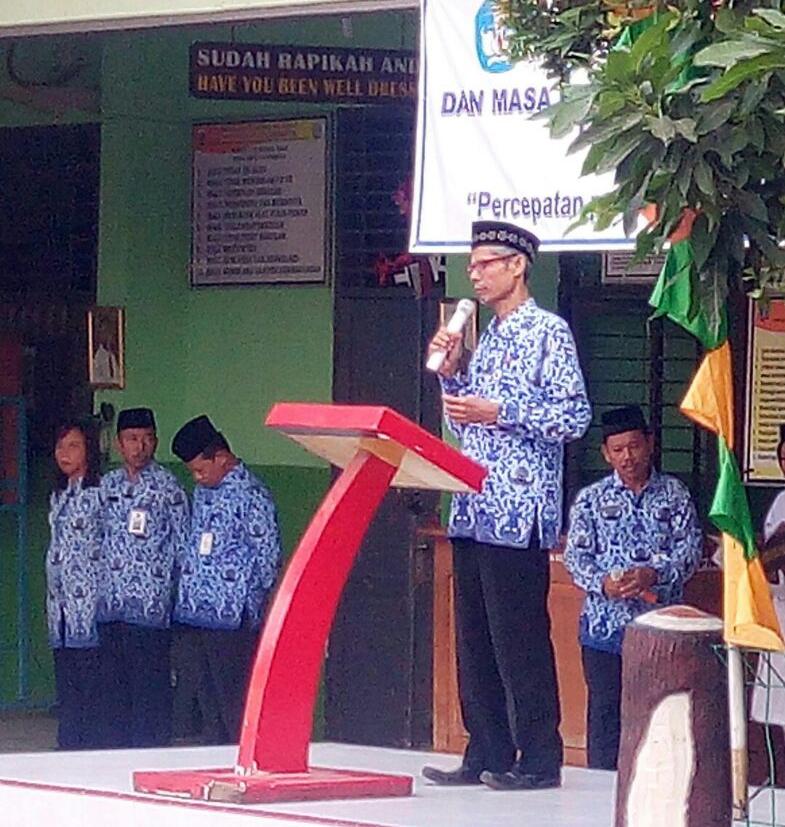 Drs. Syarief Hidayat (KepSek SMPN 116 Jakarta)