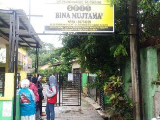 Sekolah SD IT Bina Mutjtama Menutup Akses Jalan  Masyarakat Umum