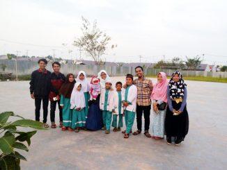 Ara dan Kak Mucil Keliling Kampung untuk Berdongeng