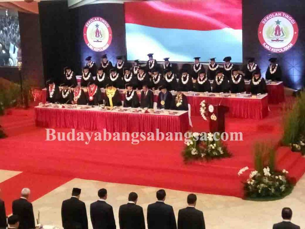 Kapolri Jenderal Tito Karnavian Dikukuhkan Sebagai Guru Besar Image 2017-10-26 at 13.55.11