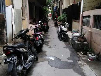 Warga Kelurahan Sunter Agung Keluhkan Rumah Kos Yang Tidak Memiliki Lahan Parkir