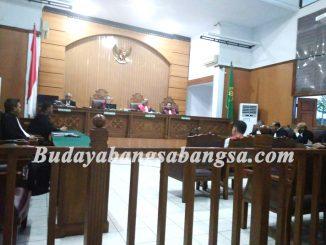 Peraturan Nomor 1 Tahun 1956, I Wayan Sudirta meminta Penangguhan Pemeriksaan Perkara Image 2017-12-02 at 08.07.19