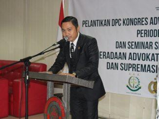 Ari Indra David  Ketua DPC KAI Bogor yang baru saja dilantik sedang memberikan sambutan  di hadapan peserta seminar sehari di Bogor, Rabu (31/1/2018)