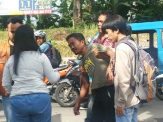 Driver Ojek Online Menghantam Daihatsu Terios di depan Perum Taman Dramaga Hijau Bogor