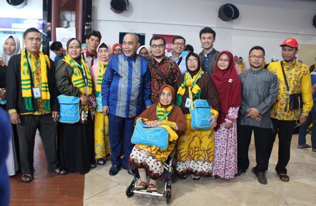 Presiden Komisaris Centig Tour, Agung Sidayu,MBA bersama 75 Jamaah Umrah