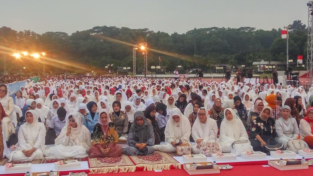 Para Hadirin PNS TNI dan Masyarakat