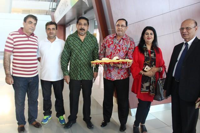 Paguyuban Masyarakat Indonesia keturunan India datang menyambut kedatangan Menteri Pemuda dan Olahraga India ke Indonesia, Jumat (17/8)