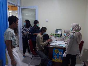 Dirjen imigrasi Menyelesaikan kedatangan 15 orang yang deportan dari Johor Bahru Malaysia,2018-11-02 at 23.39.49