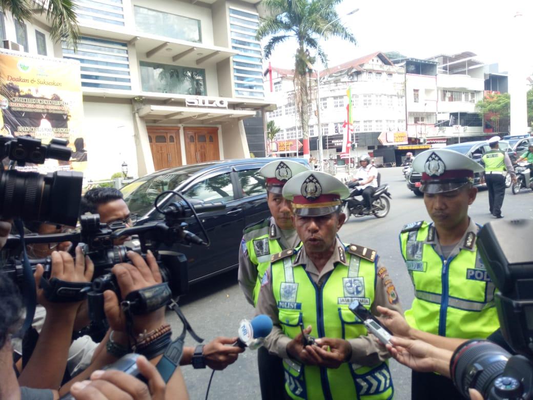 Kanit Laka lantas polres Pulau Ambon dan Pulau pulau Lease Ipda Abd Tatuhey SIK diwawancara Awak Media