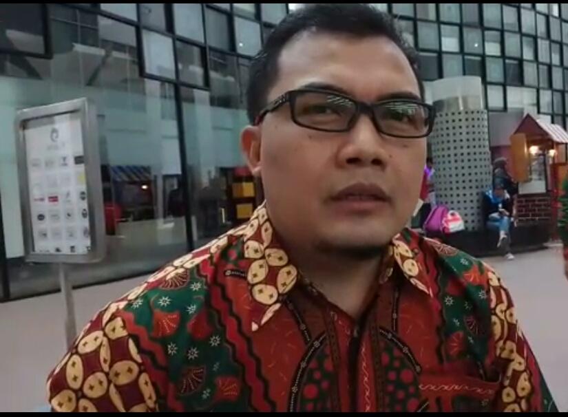 Ketua Umum Yayasan Rahmatan Lil Alamin Jakarta Timur Erin Hendrian,  SH, MM