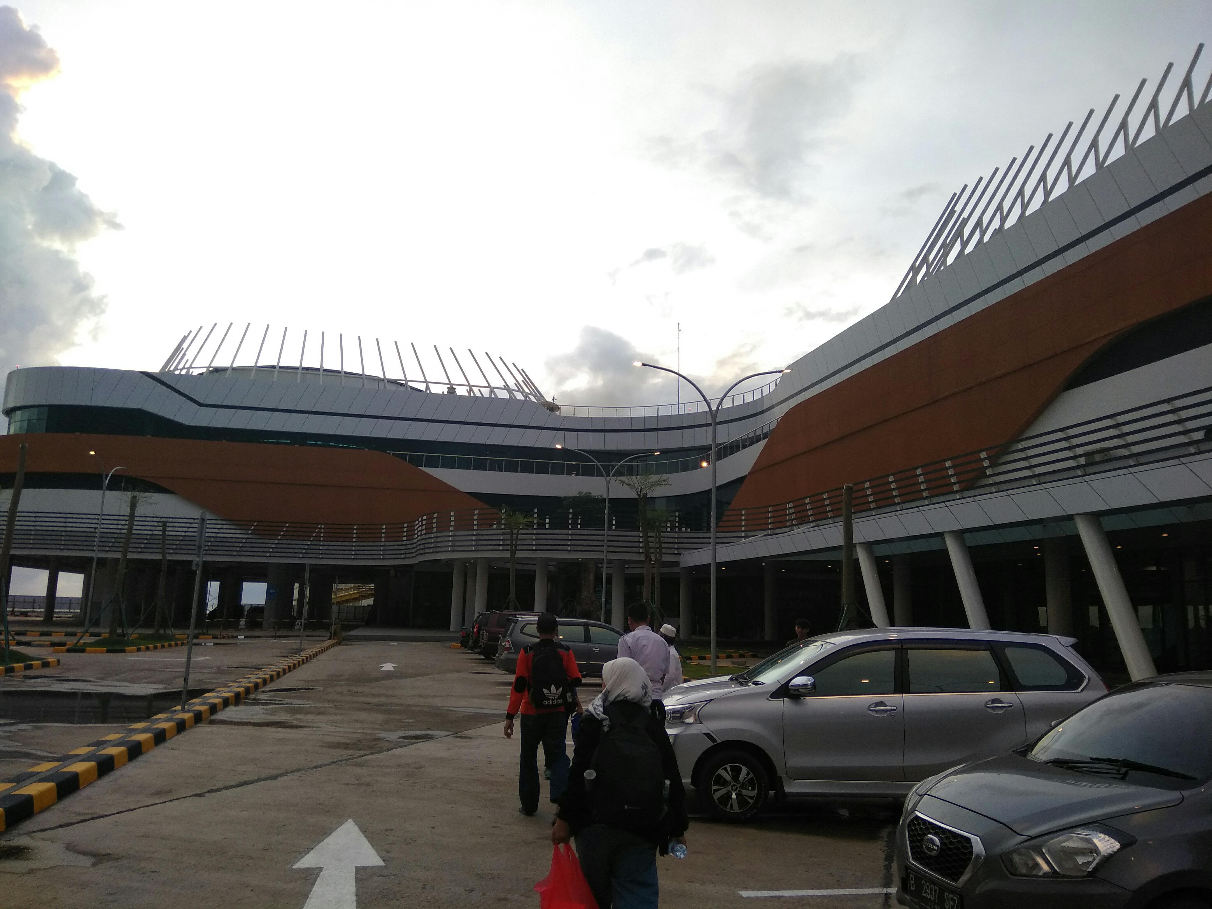 Bangunan Terminal Eksekutif dengan Konsep Smart Building