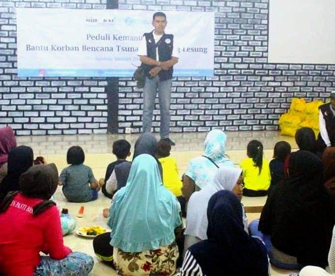 Ketua Rombongan menyampaikan salam dari Donatur dan memotivasi korban dampak tsunami Selat Sunda