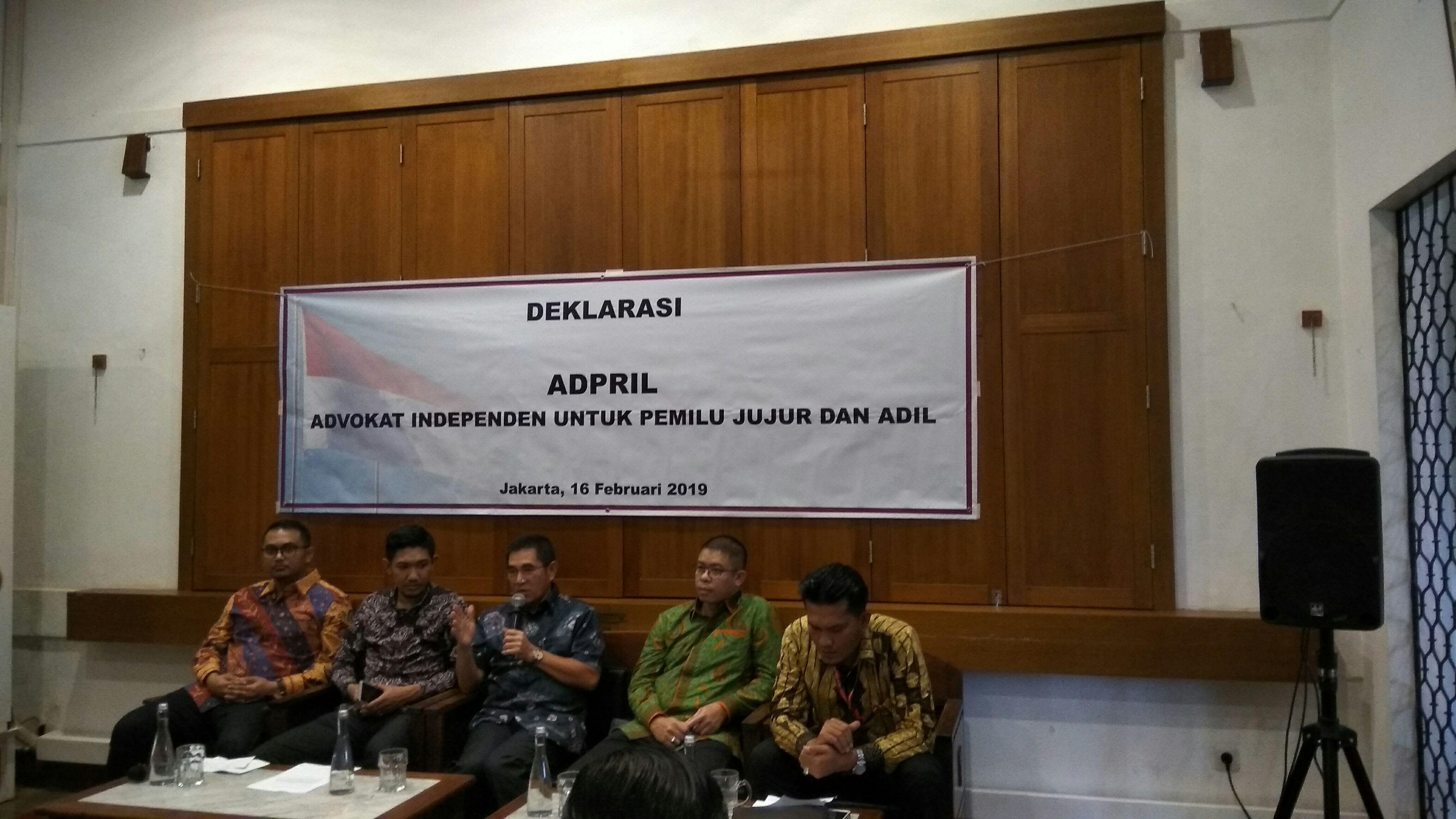 Hamdan Zoelva bersama sejumlah Advokat Deklarasikan ADPRIL di Jakarta, Sabtu (16/2)