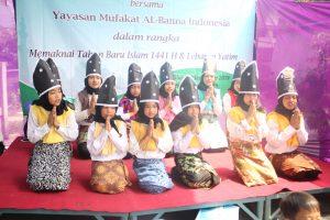 Penampilan tari Saman yang dibawakan santri TPQ Mufakat Al-Banna Indonesia, ikut memeriahkan acara tersebut.