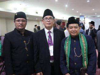 Ketua Persatuan Betawi Jakarta Nur Rochmat (kanan) saat menghadiri Peringatan 1 Syuro 1441 Hijrah di Al-Zaytun, Minggu (1/9)
