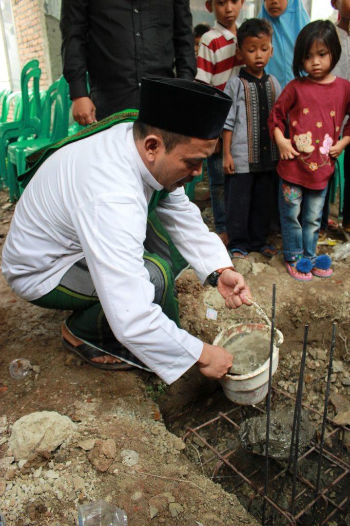 Peletakan batu pertama pembangunan sekolah dan asrama yatim di Cipari, Ahad (8/12)