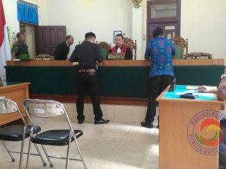 PN PN Kota Agung saat tolak gugatan praperadilan yang dilakukan Direktur CV Adhya Pratama terhadap tergugat Kapolres Tanggamus di PN Kota Agung, Tanggamus Lampung