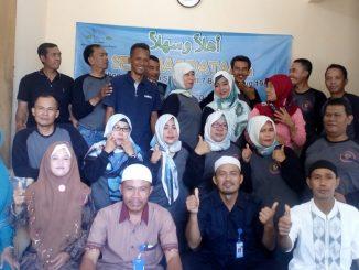 Alumni SMP PGRI 7 angkatan 1987  Kunjungi Anak Yatim Binaan Yayasan Harmoni