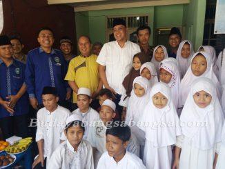 Mas Tri Hadiri Kegiatan Baksos dan Santunan Yatim di Yayasan Al Karomah Bakti Insani Kelurahan Bintara Image 2018-03-30 at 17.46.06