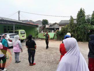Markas Koramil 04 Jatiasih Latih Peserta Olahraga Kebugaran Kaki 2019-11-12 at 18.43.25